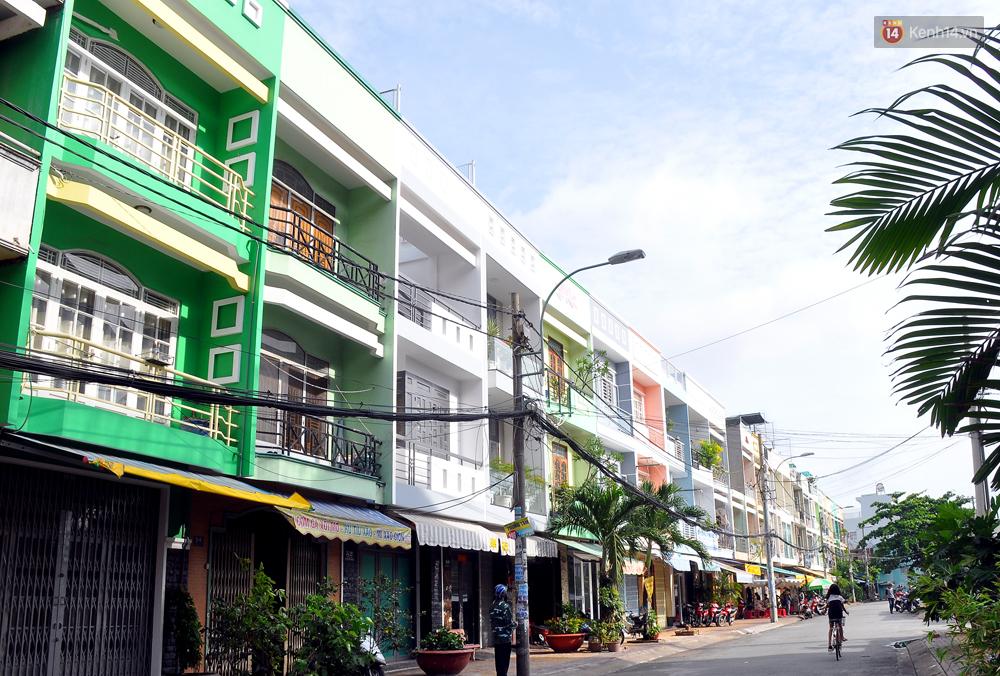 Những khu phố đồng phục thú vị ở Sài Gòn với dãy nhà giống hệt nhau - Ảnh 10.