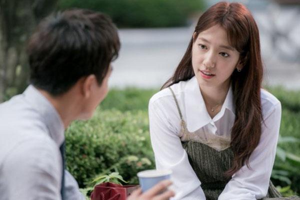 """""""Doctors"""": Không nhịn được cười với chuỗi bi kịch của Yoon Kyun Sang - Ảnh 14."""