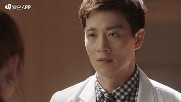 """Doctors"": Scandal của Kim Rae Won, Park Shin Hye có nguy cơ bị ""đào mộ"" - Ảnh 14."