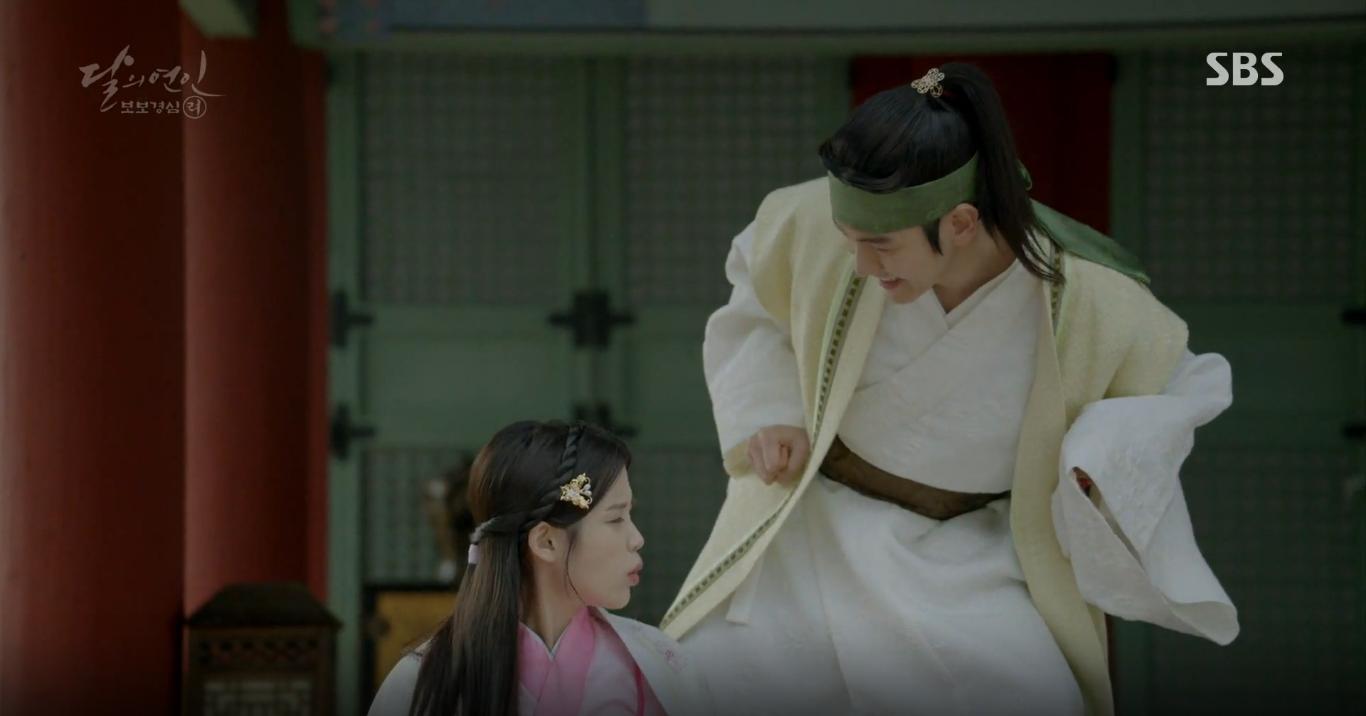 Moon Lovers: Tứ hoàng tử Lee Jun Ki thêm một lần xuất hiện kịp thời giải cứu IU - Ảnh 39.