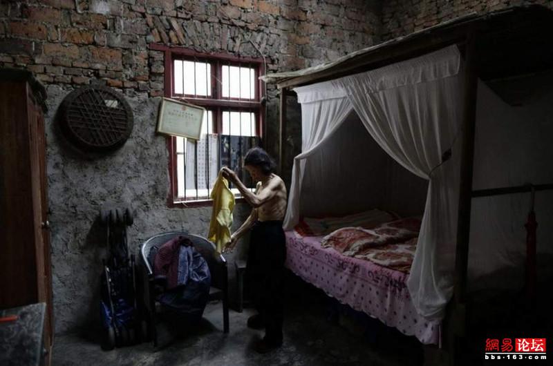 Khung cảnh hoang tàn ở ngôi làng ung thư nổi tiếng Trung Quốc khiến nhiều người không khỏi rùng mình - Ảnh 8.