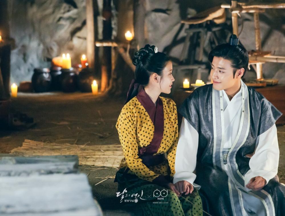 Moon Lovers: Tứ ca Wang So và Bát ca Wang Wook, tình nào là đáng đáp đền? - Ảnh 3.