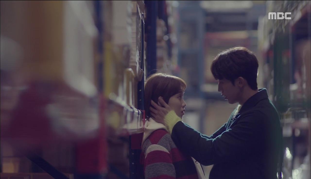 """""""Tiên Nữ Cử Tạ"""": Vì ghen, Nam Joo Hyuk hôn Lee Sung Kyung để đánh dấu chủ quyền - Ảnh 11."""