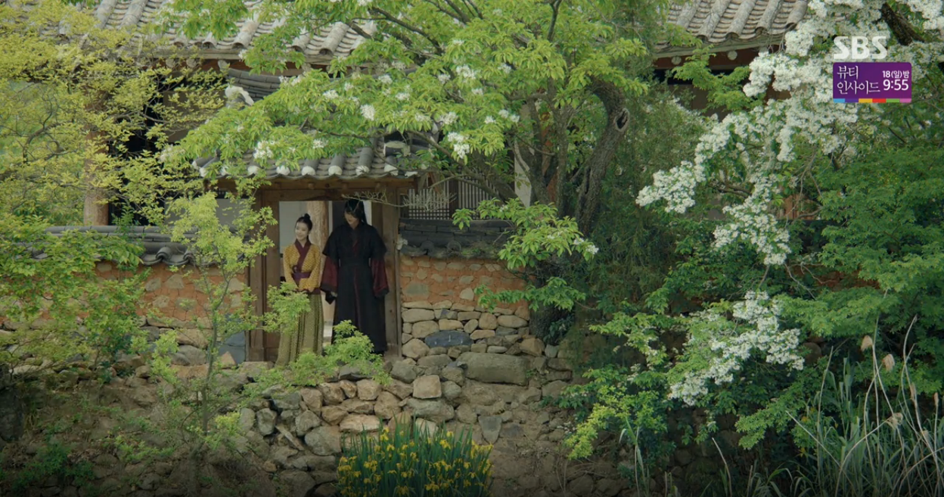 Moon Lovers: Tứ hoàng tử Lee Jun Ki chính thức hạ chiếc mặt nạ trước mặt IU - Ảnh 25.