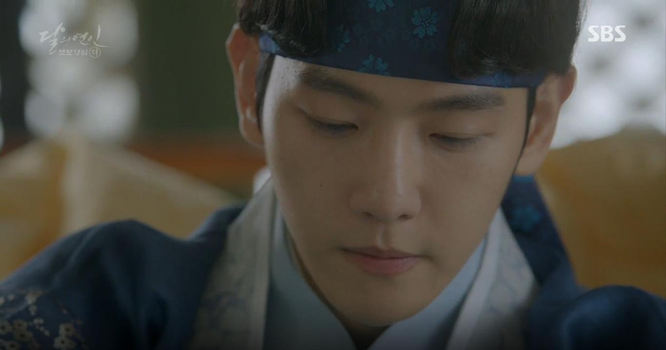 Moon Lovers: Hoàng tử Baekhyun sống chết đòi tự tử để không phải thành thân - Ảnh 8.