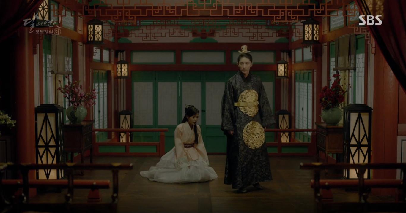 """""""Moon Lovers"""": Mặc cảm tội lỗi, Seohyun gieo mình tự vẫn - Ảnh 9."""