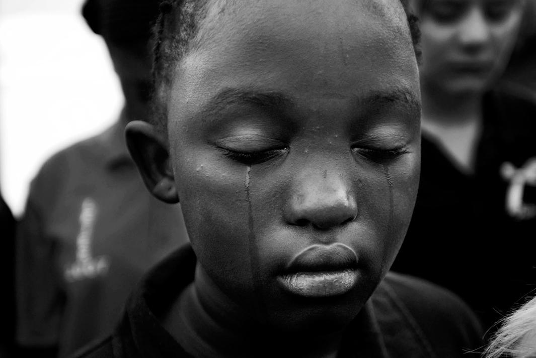 Loạt hình ám ảnh về những đứa trẻ từng bị lạm dụng tình dục - Ảnh 19.