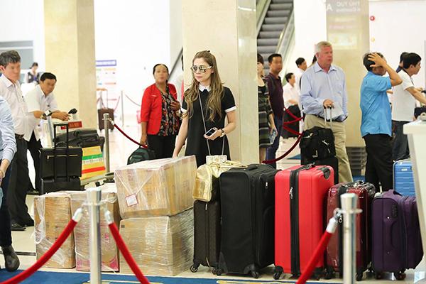 Thanh Thảo mang 200kg hành lý ra Hà Nội để phục vụ cho liveshow - Ảnh 11.
