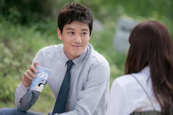 """""""Doctors"""": Không nhịn được cười với chuỗi bi kịch của Yoon Kyun Sang - Ảnh 16."""