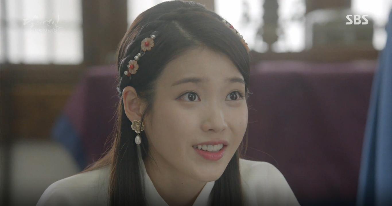 """Moon Lovers: Khán giả """"rưng rưng"""" với kết cục tình yêu đau lòng của chị họ IU - Ảnh 23."""