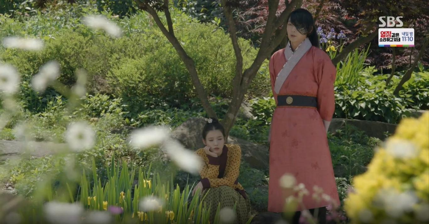 Moon Lovers: Tứ hoàng tử Lee Jun Ki chính thức hạ chiếc mặt nạ trước mặt IU - Ảnh 31.