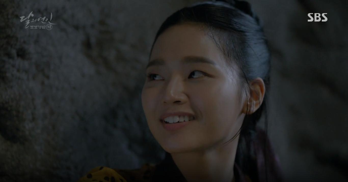 """Moon Lovers: """"Mười"""" Baekhyun chính thức có nụ hôn màn ảnh đầu tiên! - Ảnh 18."""