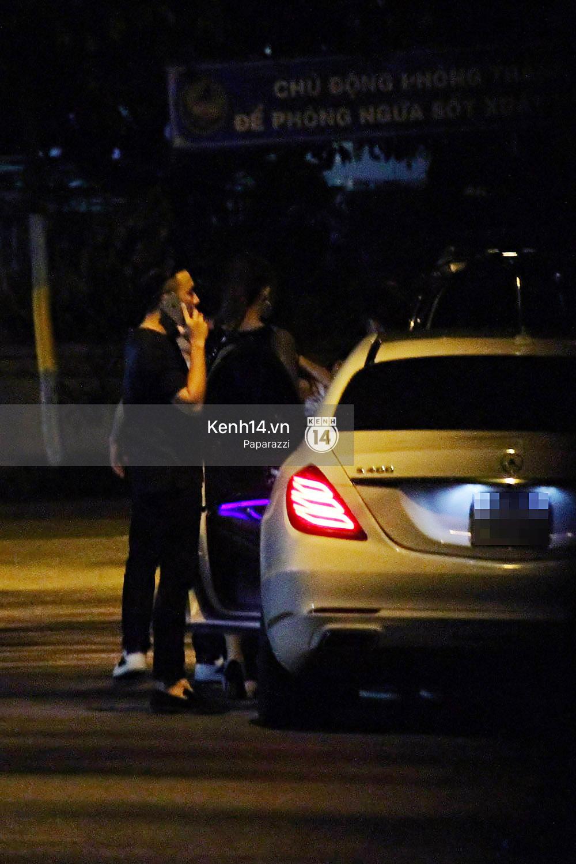 Sau sự kiện, Trấn Thành - Hari Won đi ăn đêm ở quán lề đường cùng bạn đến nửa đêm - Ảnh 13.