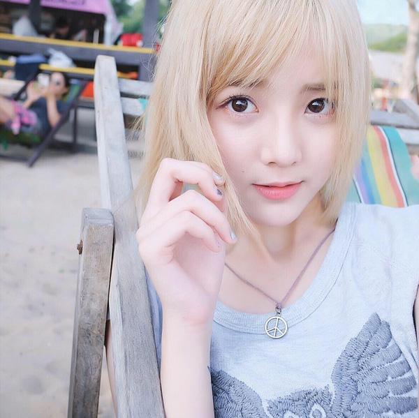 Hot girl Nene đình đám của Thái khoe ảnh tung tăng du hí ở Sài Gòn - Ảnh 1.