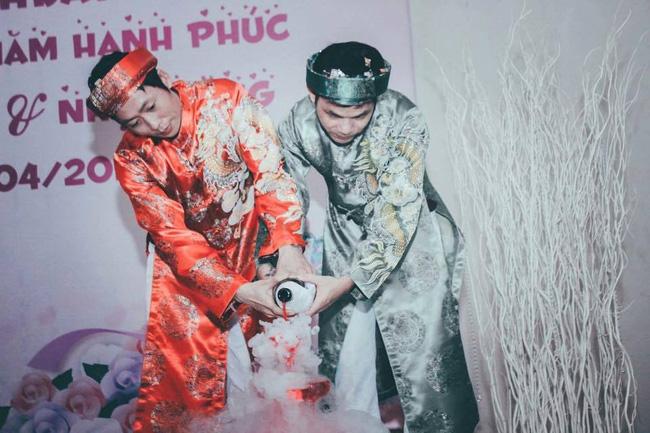 Những chuyện tình đồng tính Việt đẹp nhất năm 2016 - Ảnh 1.