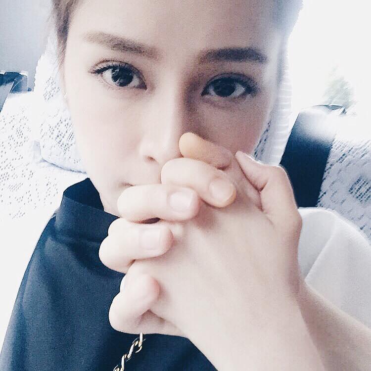 Chi Pu khoe giọng đáng yêu trong clip khoe Instagram đạt mốc 1 triệu follower - Ảnh 3.
