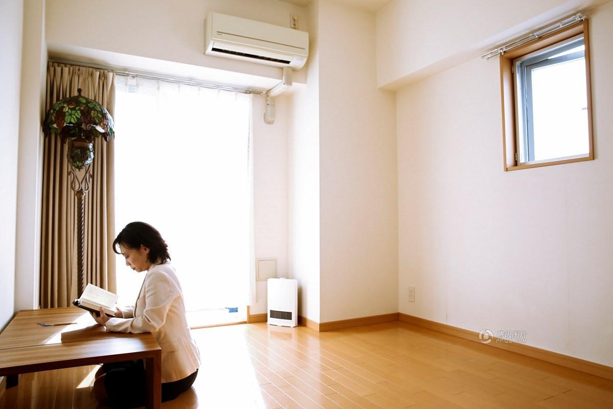 Lối sống tối giản của giới trẻ Nhật: Gia sản chỉ có 3 cái áo, 4 cái quần và 4 đôi tất - Ảnh 18.