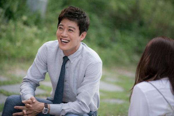 """""""Doctors"""": Không nhịn được cười với chuỗi bi kịch của Yoon Kyun Sang - Ảnh 17."""