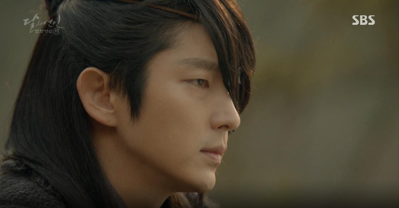 Moon Lovers: Tứ hoàng tử Lee Jun Ki thêm một lần xuất hiện kịp thời giải cứu IU - Ảnh 9.