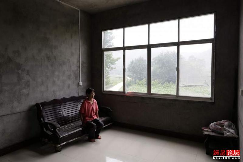 Khung cảnh hoang tàn ở ngôi làng ung thư nổi tiếng Trung Quốc khiến nhiều người không khỏi rùng mình - Ảnh 15.