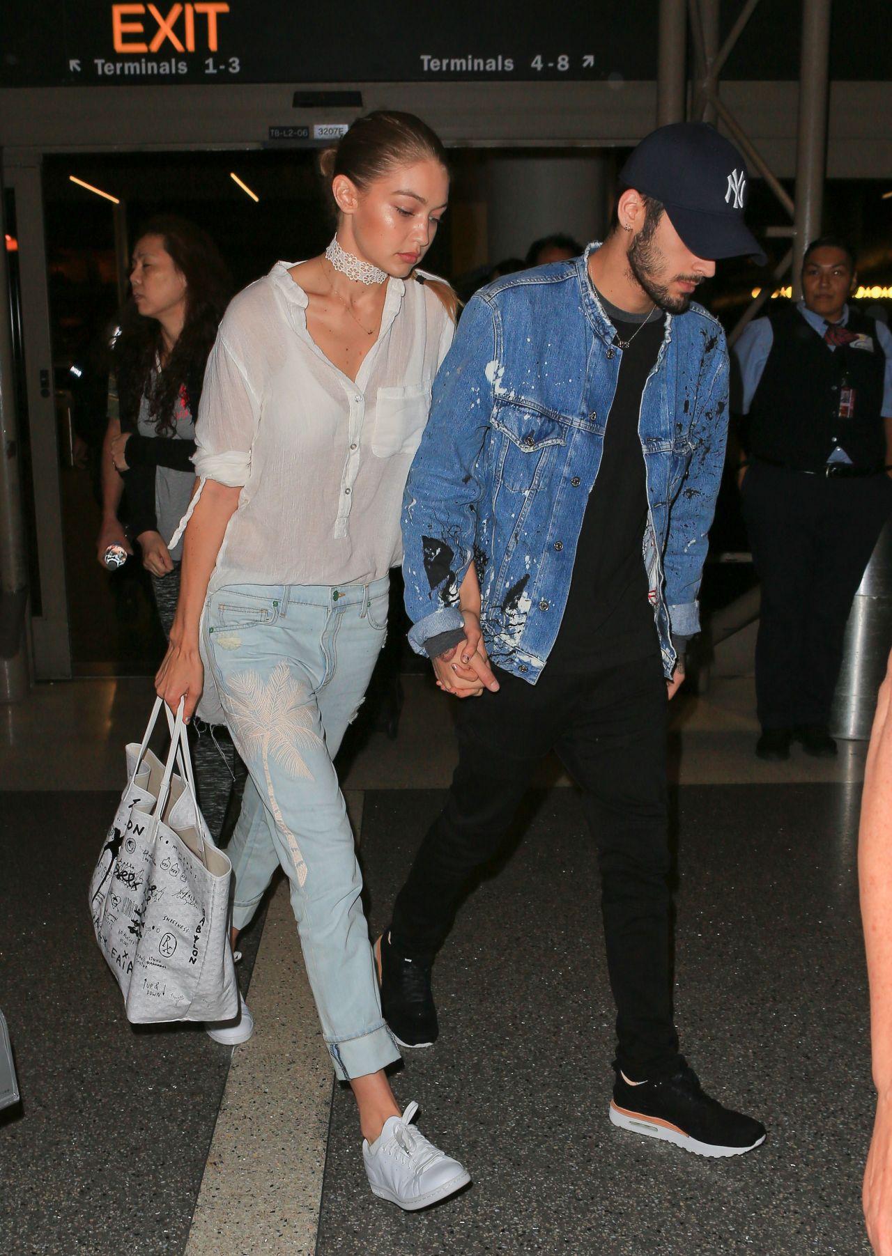 Chẳng phải Stan Smith hay Superstar, đây mới là mẫu sneaker trắng được Kendall, Gigi, Miranda mê nhất - Ảnh 14.