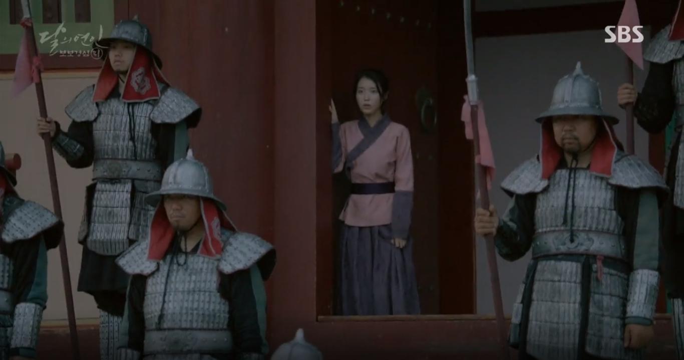 Moon Lovers: Liệu lịch sử thời Goryeo có đúng như IU tiên đoán? - Ảnh 13.