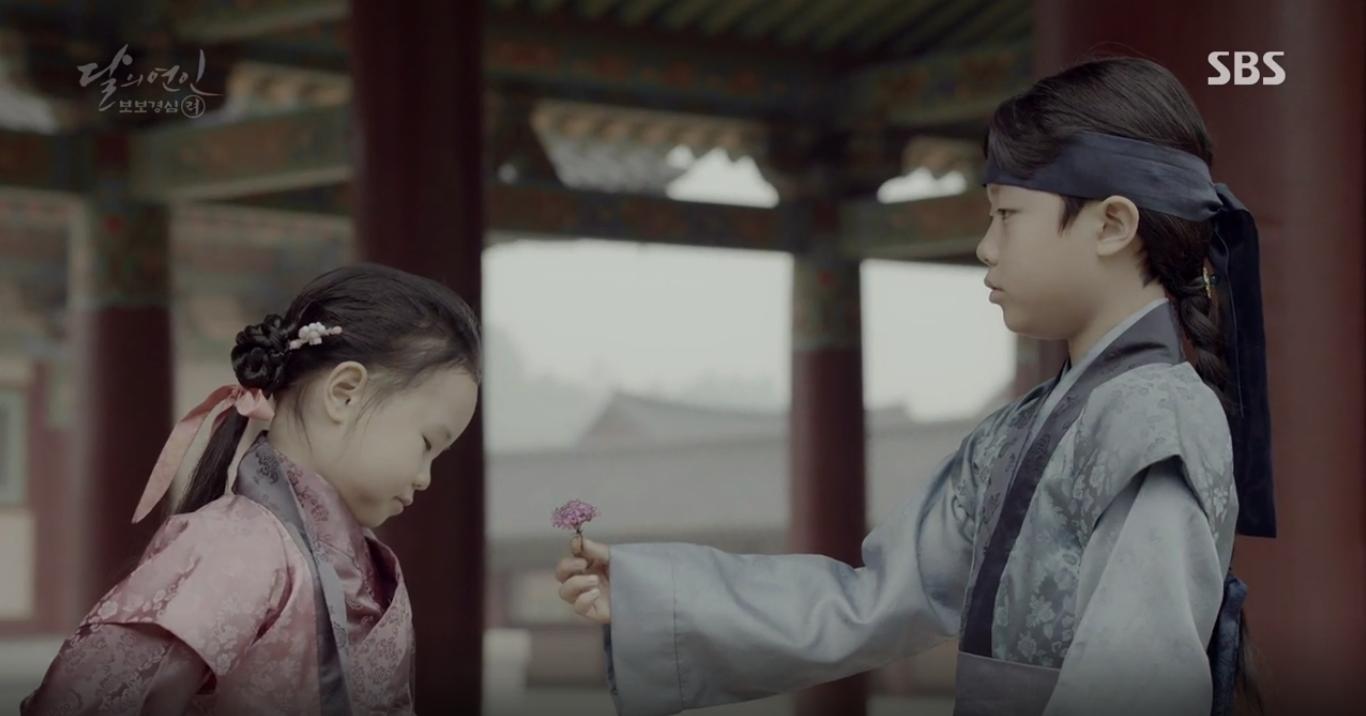 """Moon Lovers: """"Mười"""" Baekhyun chính thức có nụ hôn màn ảnh đầu tiên! - Ảnh 19."""