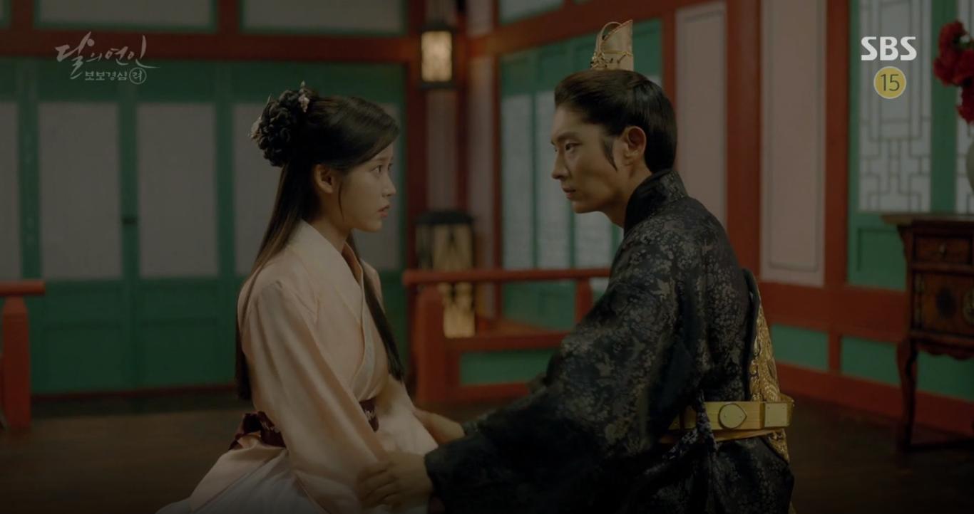 """""""Moon Lovers"""": Mặc cảm tội lỗi, Seohyun gieo mình tự vẫn - Ảnh 11."""
