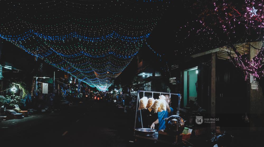 Người Sài Gòn đã tự tay trang trí Giáng sinh cho con hẻm của mình theo cách lãng mạn như thế - Ảnh 16.