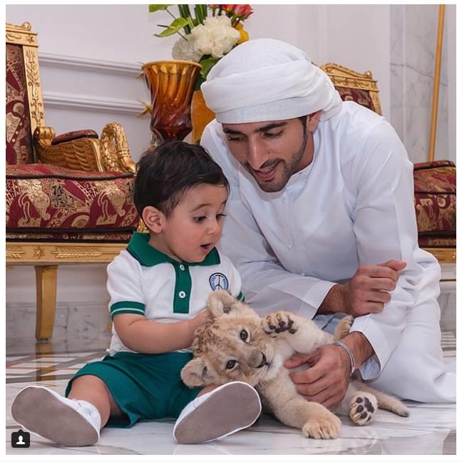 Không chỉ đẹp trai, giàu có, chàng hoàng tử Dubai này còn khiến bao người ngưỡng mộ vì những hành động cao đẹp - Ảnh 2.