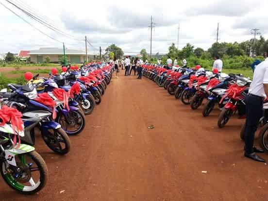 Đẹp mắt với dàn rước dâu với 90 xe Yamaha Exciter tại Bình Phước - Ảnh 2.
