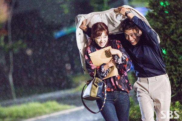 """Xem hậu trường """"Doctors"""", cứ ngỡ Kim Rae Won – Park Shin Hye yêu nhau thật rồi! - Ảnh 3."""