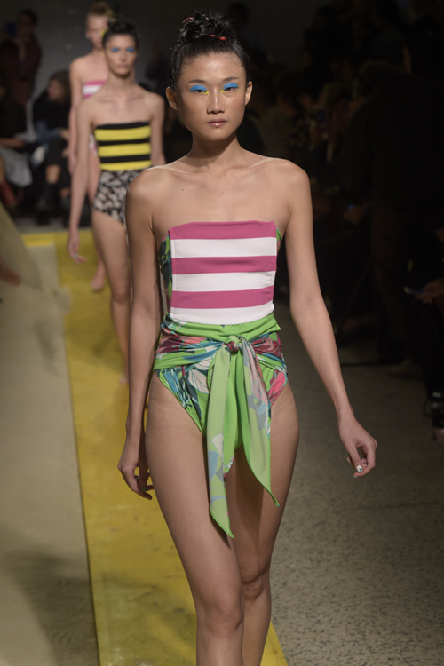 Phản hồi của phía Vietnam International Fashion Week có trở nên vô nghĩa khi để lộ email cấm diễn này? - Ảnh 3.
