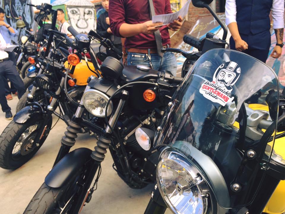 Hôm nay, dân tình siêu choáng với 500 anh em mặc suit, cưỡi motor cực bảnh đi khắp Hà Nội - Ảnh 19.