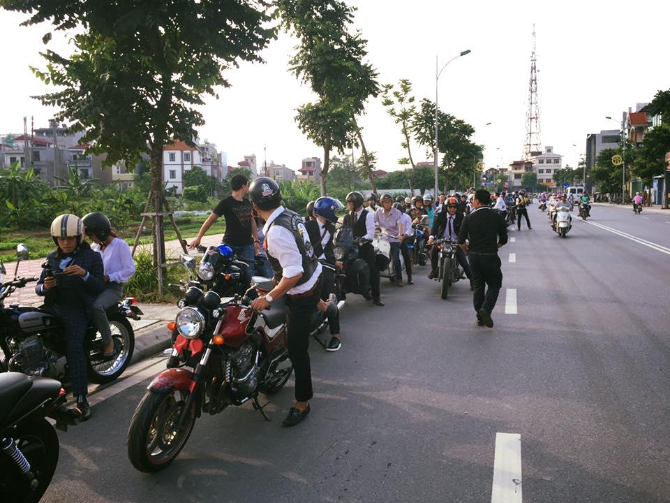 Hôm nay, dân tình siêu choáng với 500 anh em mặc suit, cưỡi motor cực bảnh đi khắp Hà Nội - Ảnh 20.