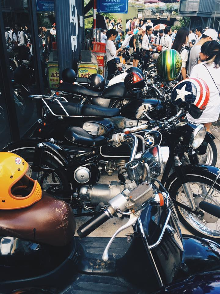 Hôm nay, dân tình siêu choáng với 500 anh em mặc suit, cưỡi motor cực bảnh đi khắp Hà Nội - Ảnh 10.