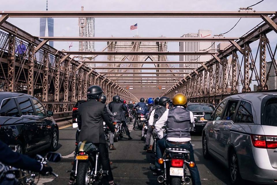 Hôm nay, dân tình siêu choáng với 500 anh em mặc suit, cưỡi motor cực bảnh đi khắp Hà Nội - Ảnh 13.
