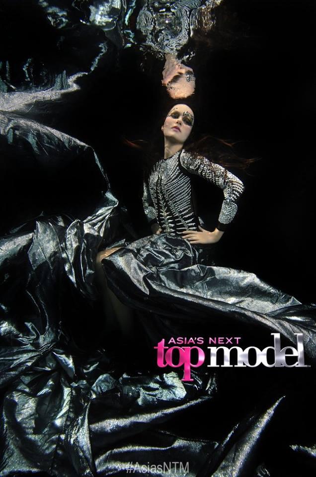 Next Top Model: Không phải cứ chụp ảnh dưới nước là trở thành thảm họa như ở Việt Nam! - Ảnh 10.