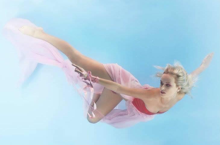 Next Top Model: Không phải cứ chụp ảnh dưới nước là trở thành thảm họa như ở Việt Nam! - Ảnh 7.