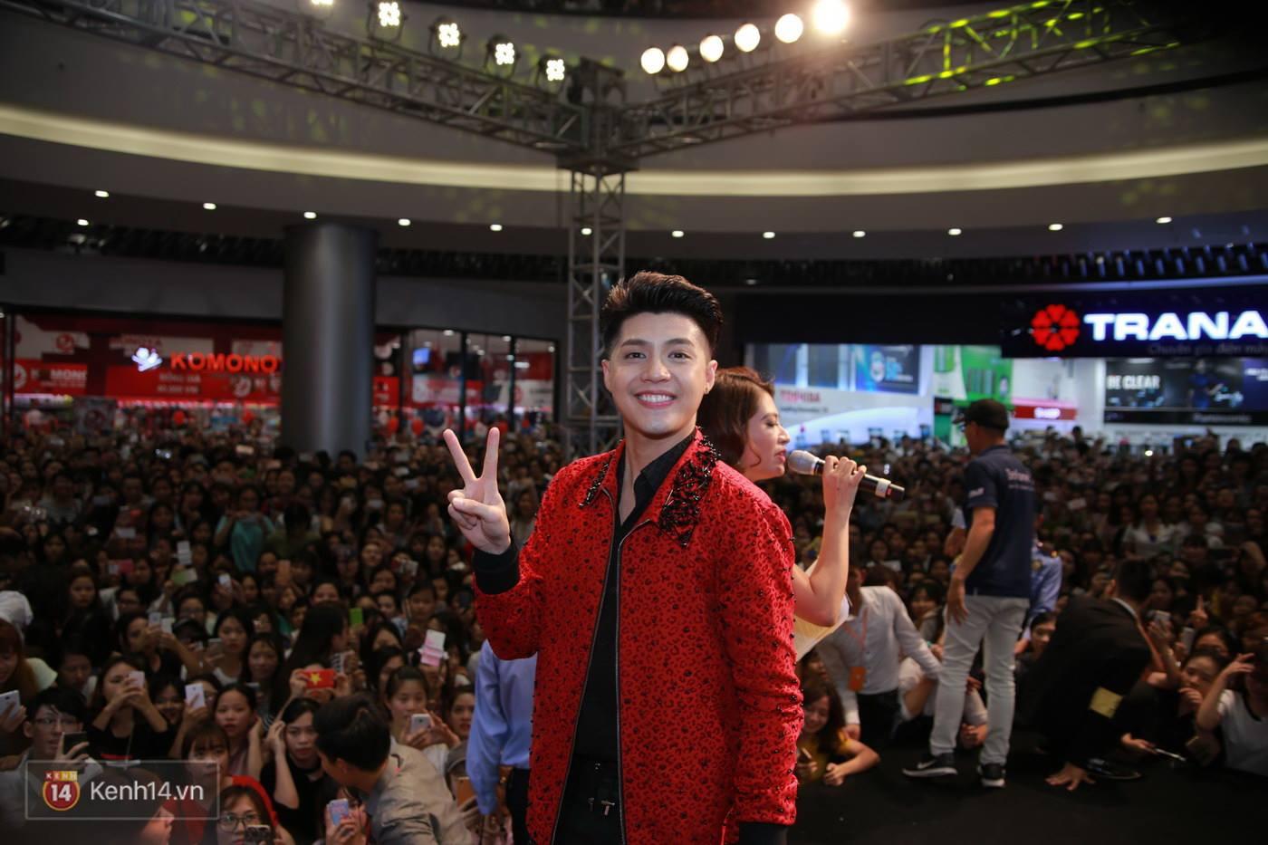 Không cần đến sao Hàn, Noo Phước Thịnh cũng đủ khiến Aeon Mall thất thủ - Ảnh 11.
