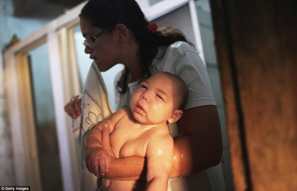 Chùm ảnh: Dịch bệnh Zika đầu nhỏ - nỗi khiếp sợ của toàn thế giới - Ảnh 22.