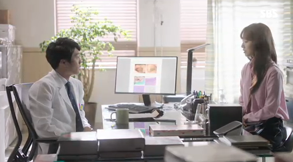 """""""Doctors"""": Yoon Kyun Sang bày tỏ tình cảm của mình với tình địch Kim Rae Won - Ảnh 25."""