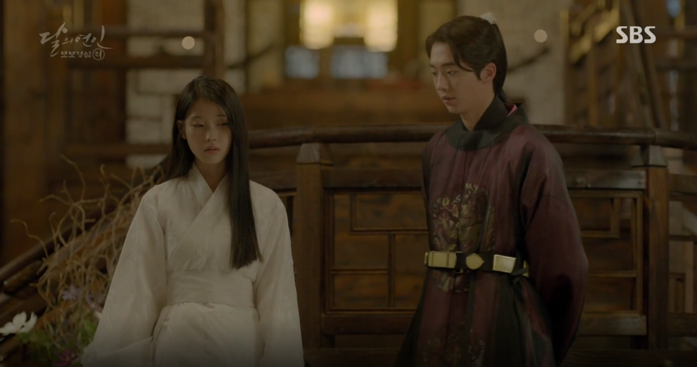 """""""Moon Lovers"""": Lee Jun Ki vừa được IU phong vua đã lập hậu - Ảnh 20."""