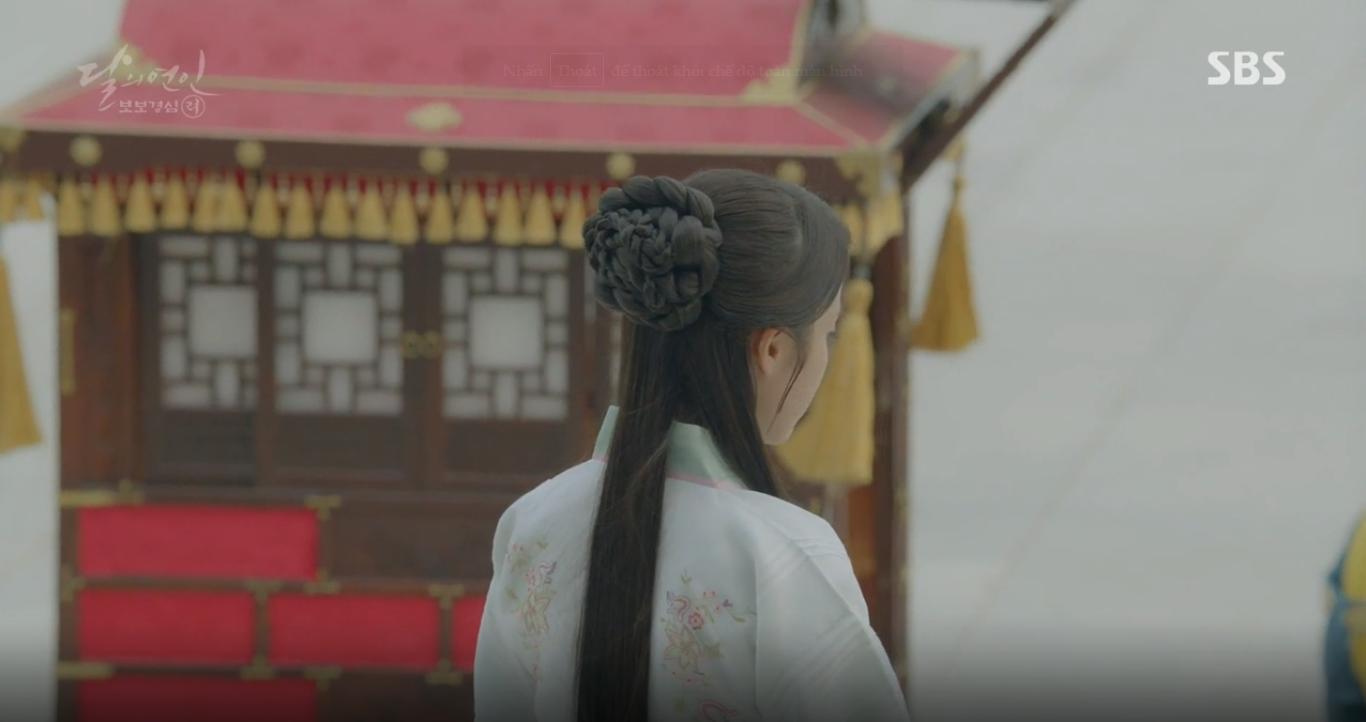 """""""Moon Lovers"""": Mặc cảm tội lỗi, Seohyun gieo mình tự vẫn - Ảnh 23."""