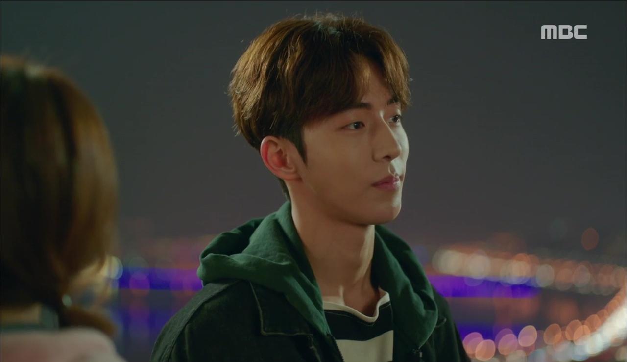 """""""Tiên Nữ Cử Tạ"""": Ngỡ được Lee Sung Kyung hôn, Nam Joo Hyuk đưa mặt hưởng thụ và nhận cái kết bất ngờ - Ảnh 19."""