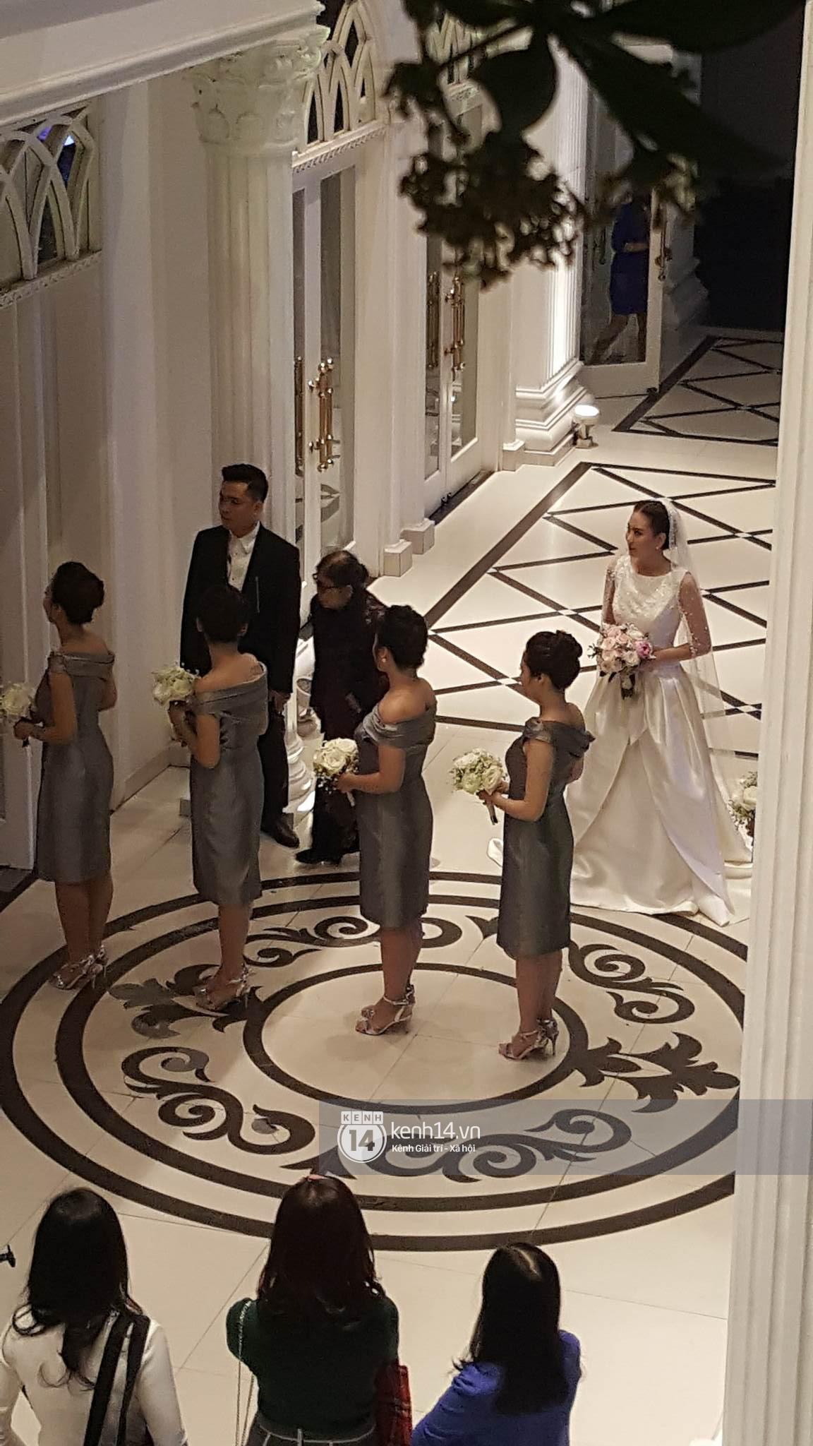 Đám cưới MC Mai Ngọc: Không gian lộng lẫy, cầu kỳ, xứng đáng là đám cưới sang chảnh nhất Hà Nội hôm nay - Ảnh 12.