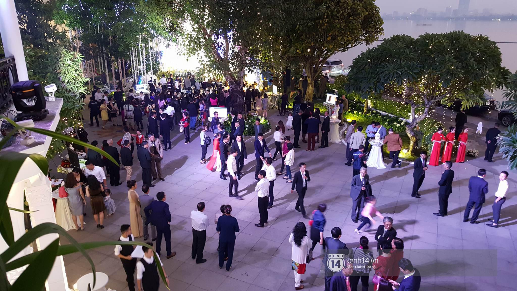 Đám cưới MC Mai Ngọc: Không gian lộng lẫy, cầu kỳ, xứng đáng là đám cưới sang chảnh nhất Hà Nội hôm nay - Ảnh 4.