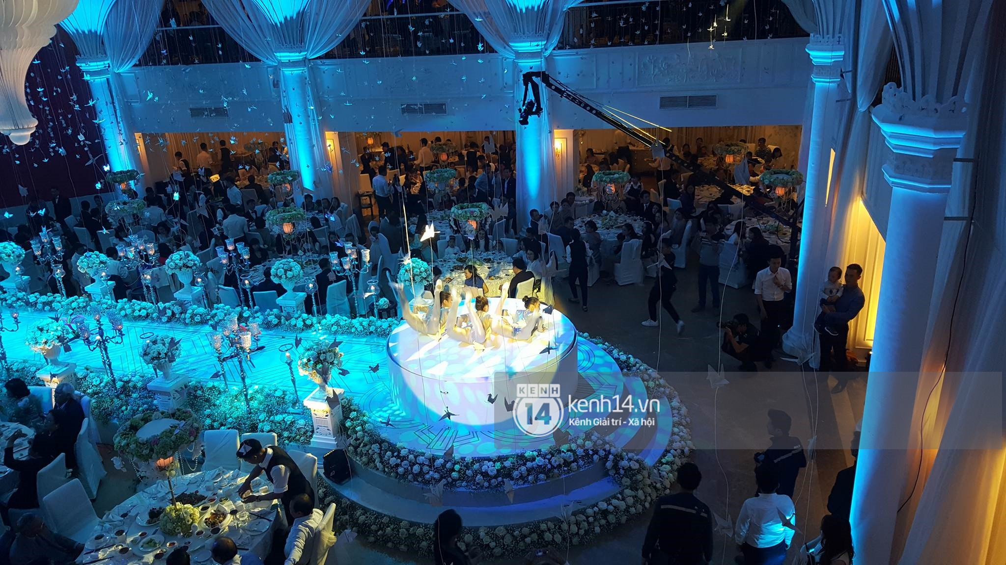 Đám cưới MC Mai Ngọc: Không gian lộng lẫy, cầu kỳ, xứng đáng là đám cưới sang chảnh nhất Hà Nội hôm nay - Ảnh 25.