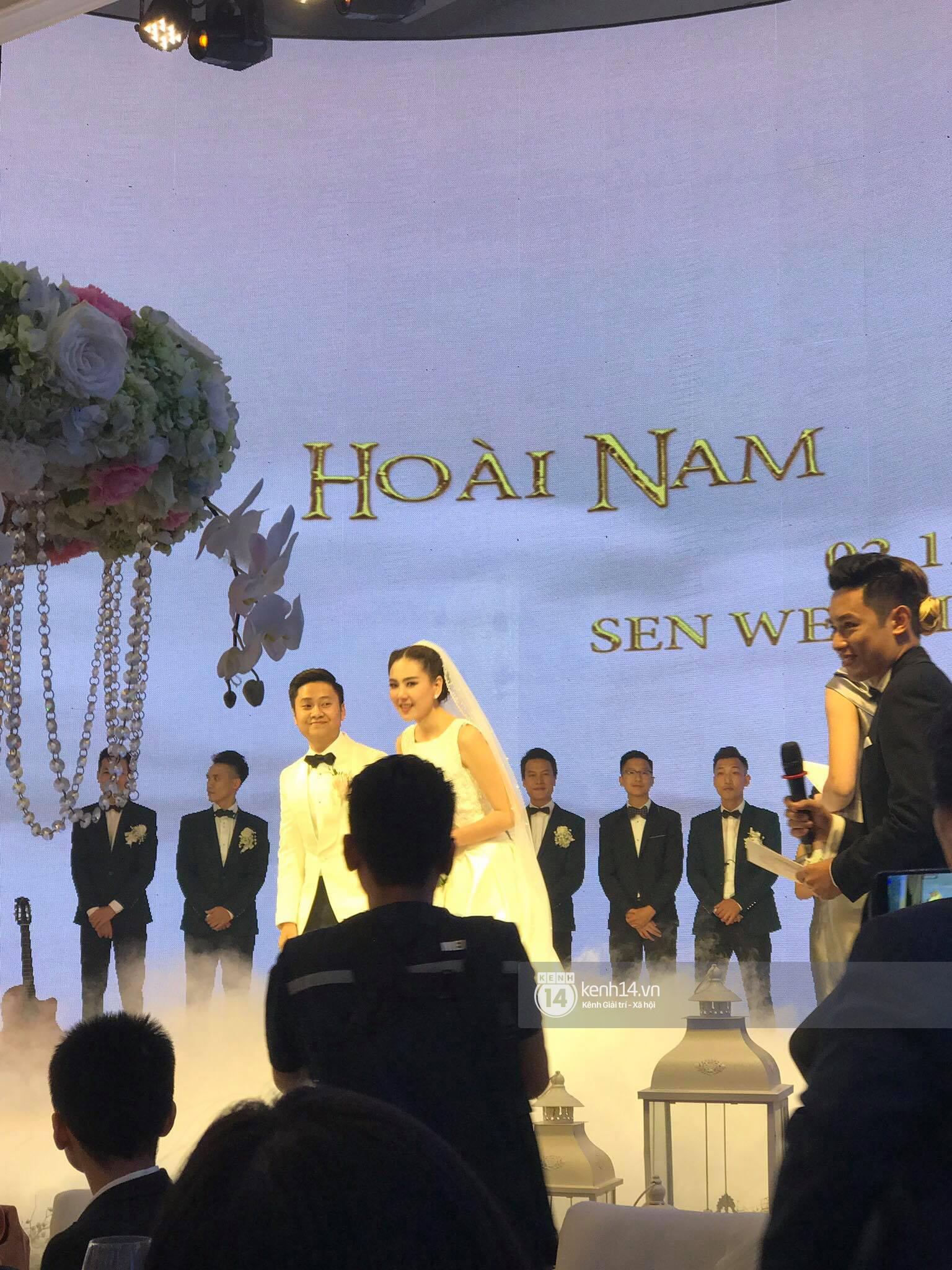 Đám cưới MC Mai Ngọc: Không gian lộng lẫy, cầu kỳ, xứng đáng là đám cưới sang chảnh nhất Hà Nội hôm nay - Ảnh 17.