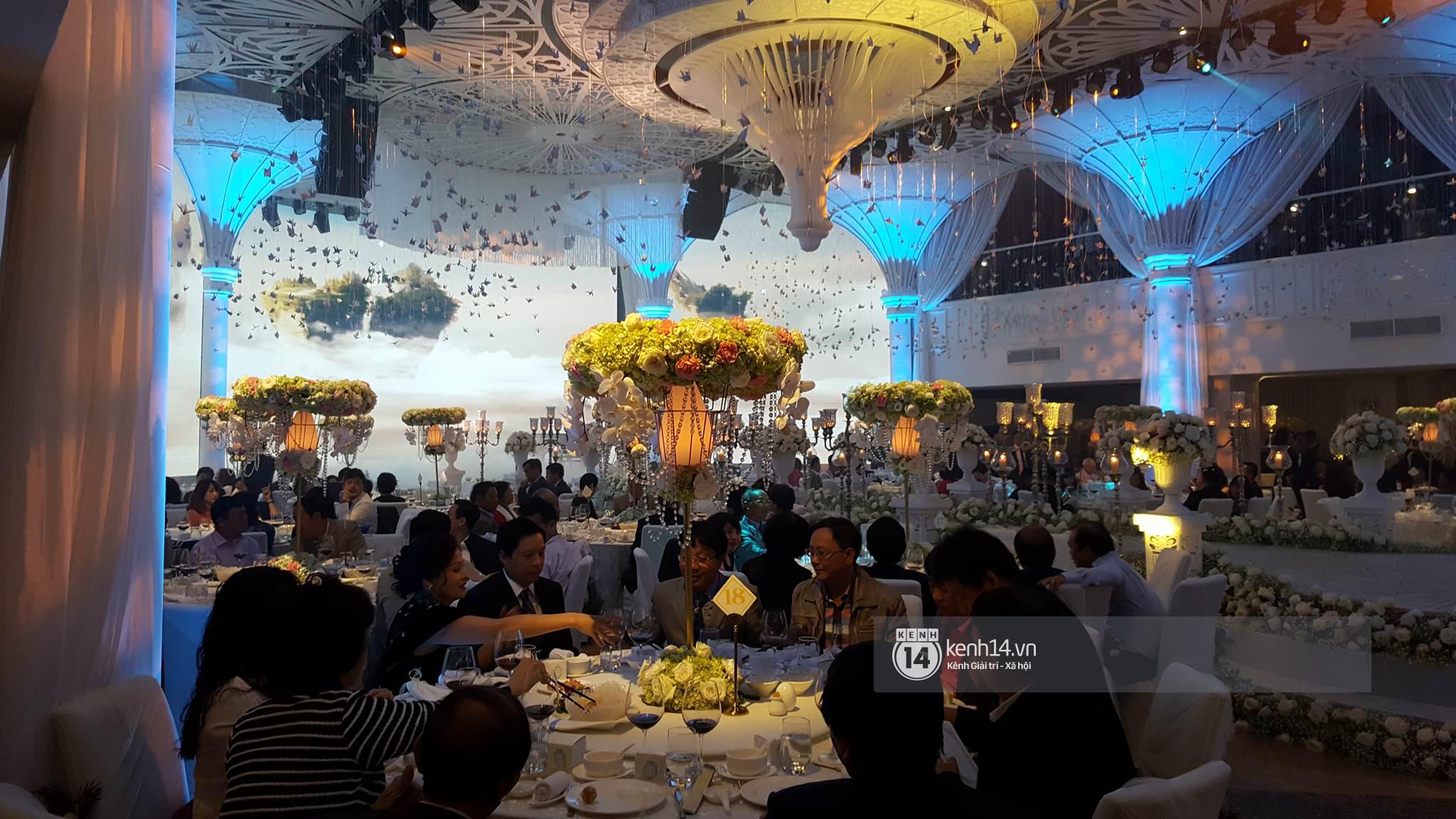 Đám cưới MC Mai Ngọc: Không gian lộng lẫy, cầu kỳ, xứng đáng là đám cưới sang chảnh nhất Hà Nội hôm nay - Ảnh 11.